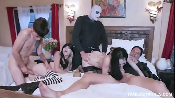 Family Orgy with mom,son,dad,sister and unlce